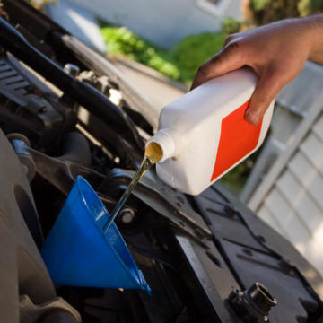 What Type of Oil Should You Put In Your Car